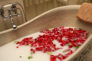 bath milk roses