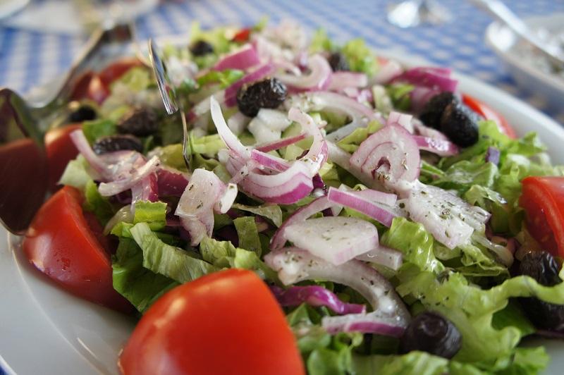 green salad with turkey