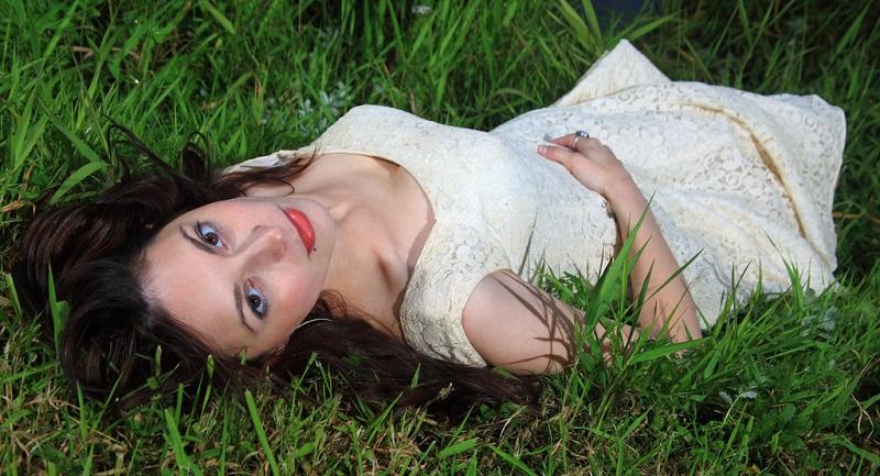 women model nature