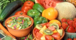 vegetables-and-fruit against skin cancer