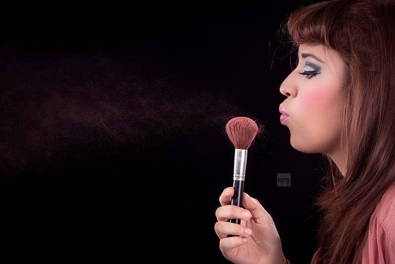 women-makeup