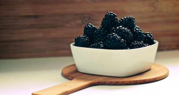 blackberries are protecting from skin cancer