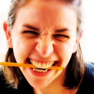 body - girl eating pen