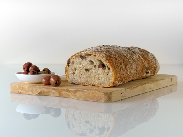 foods olive and bread
