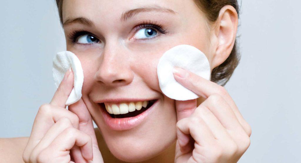 acne women