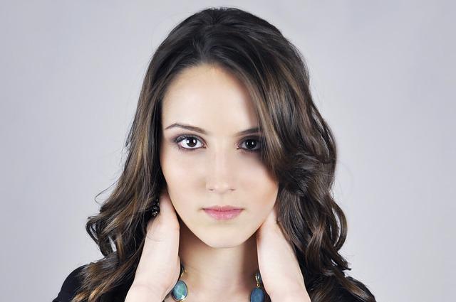 removing makeup women