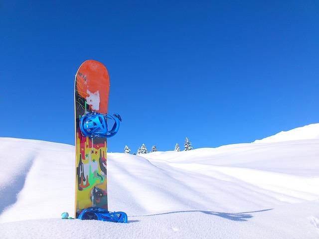 snowboard snow